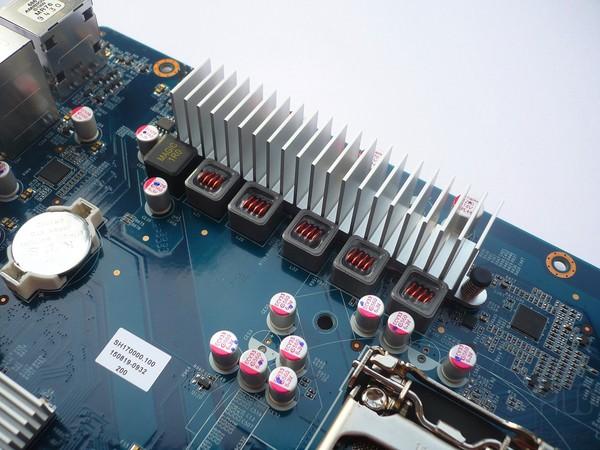 068-shuttle-sh170r6-foto-minipc-scheda-madre-circuiteria