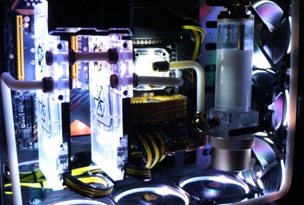 Seconda_Build_In_Win_D-Frame_2.0_-_HW_Legend_-_Copertina