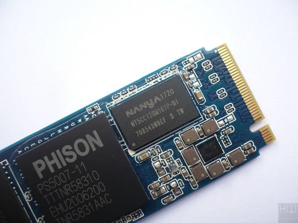 020-apacer-z280-ssd-pcie-foto-ssd-pcb-dettaglio-memoria-cache