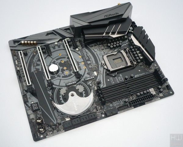 035-asrock-z390-taichi-ultimate-foto-scheda-fronte-large