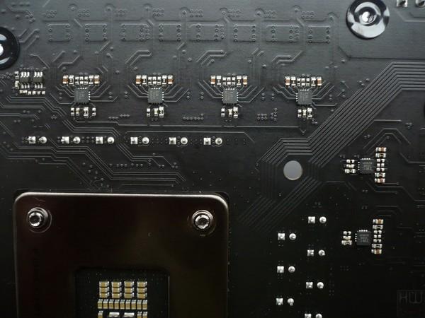 048-asrock-z390-taichi-ultimate-foto-scheda-dettagli-circuiteria-alimentazione-phase-doubler