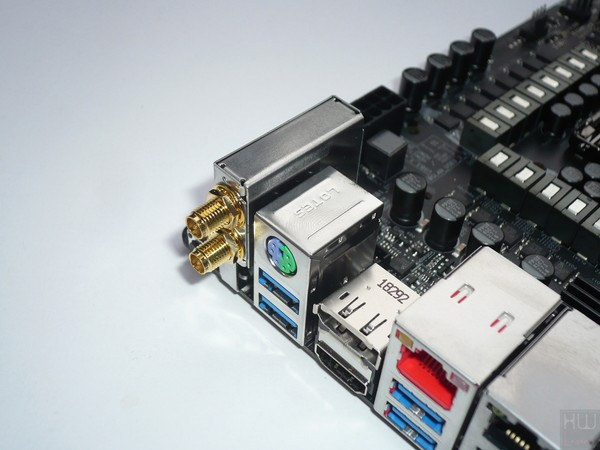 072-asrock-z390-taichi-ultimate-foto-scheda-particolare-modulo-wireless