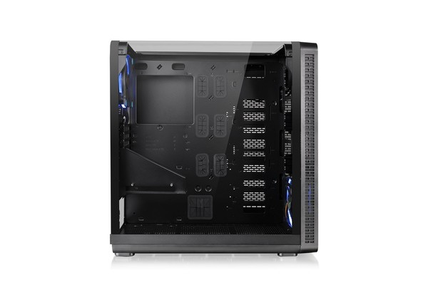 016-thermaltake-view37-riing-edition-specifiche-foto-case-varie