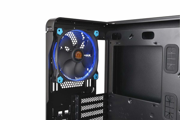 020-thermaltake-view37-riing-edition-specifiche-foto-dettaglio-ventole-preinstallate