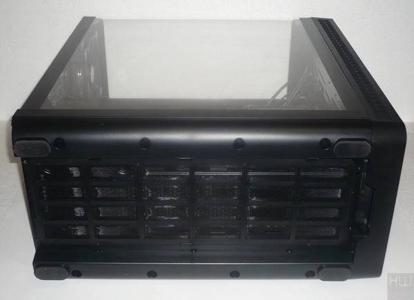 048-thermaltake-view37-riing-edition-foto-case-base-appoggio